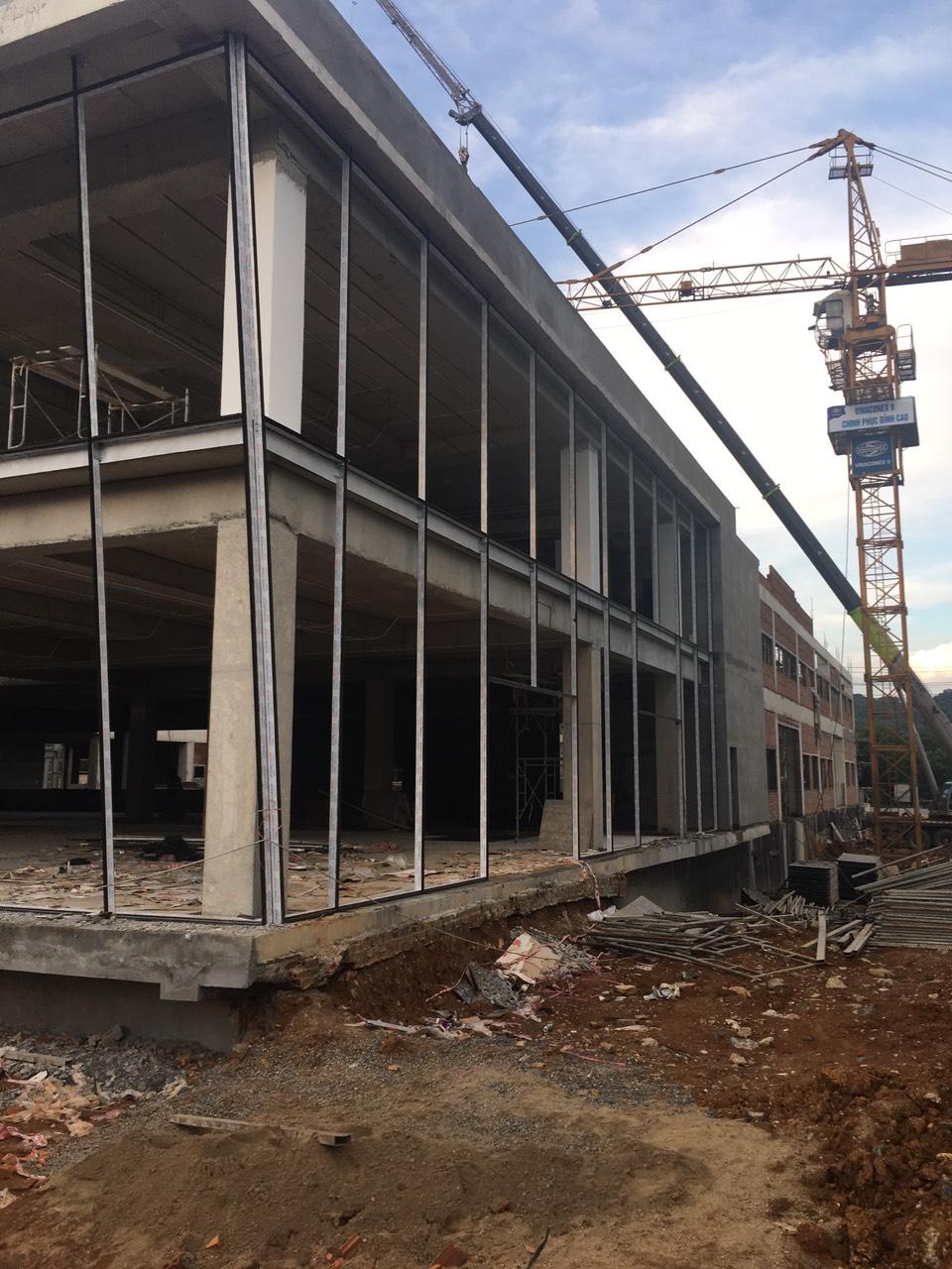 tyo.sonla2  vách kính mặt dựng công trình Showroom   Toyota Tây Bắc tại Sơn La