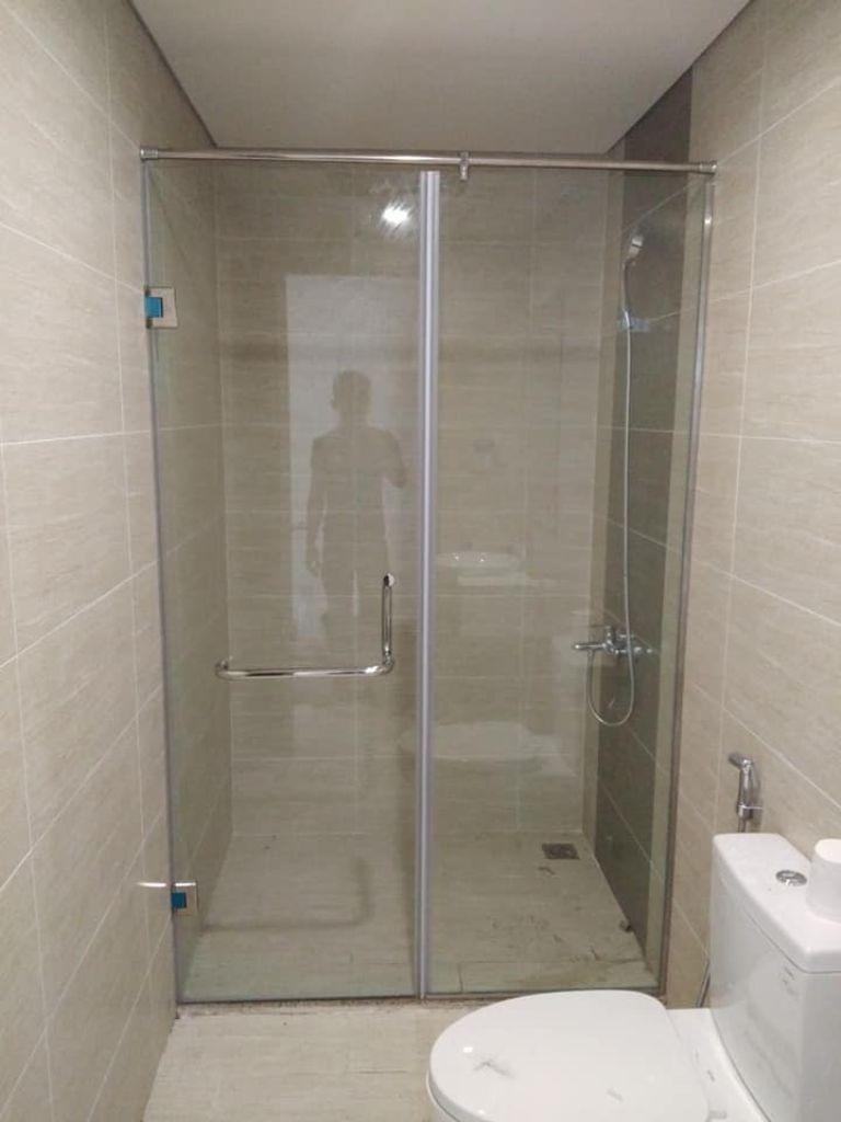 vach kinh cuong luc 7 - Báo giá phòng tắm kính cường lực 2021
