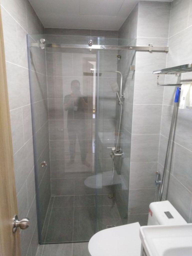 Hoàng Phi Glass - nhà thầu thi công lắp đặt vách tắm kính tốt nhất
