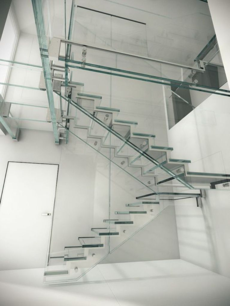 Cầu thang làm toàn bộ bằng kính cường lực.