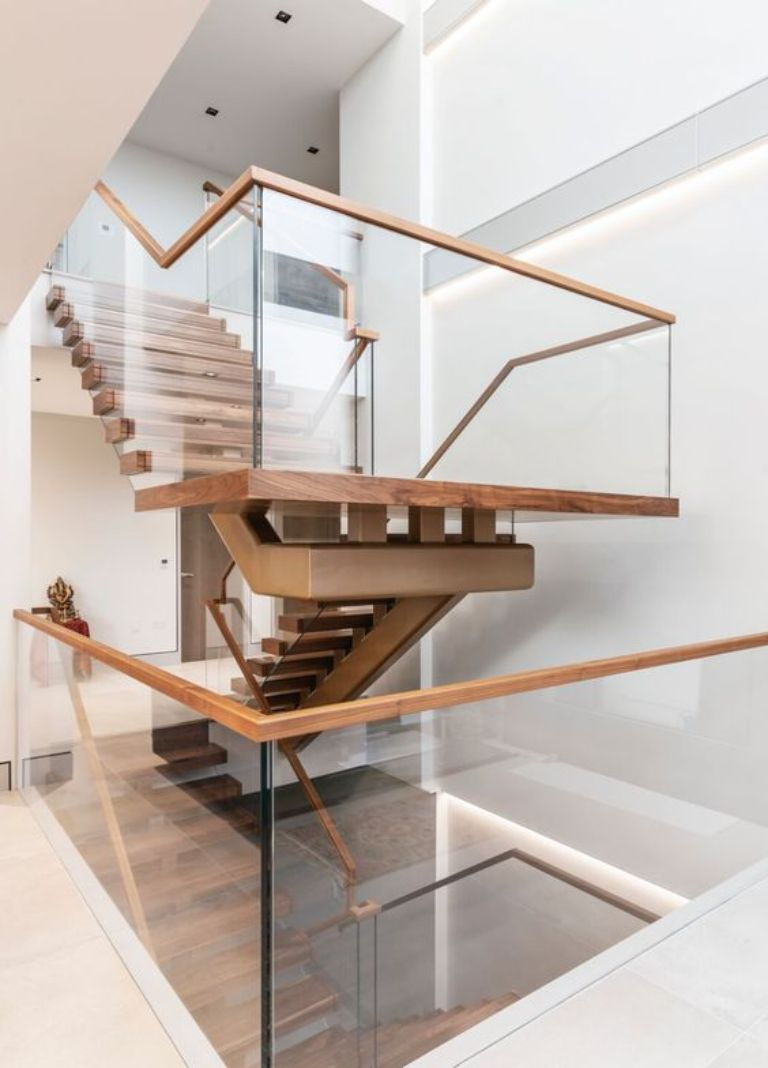 Lan can kính cường lực cho cầu thang bộ