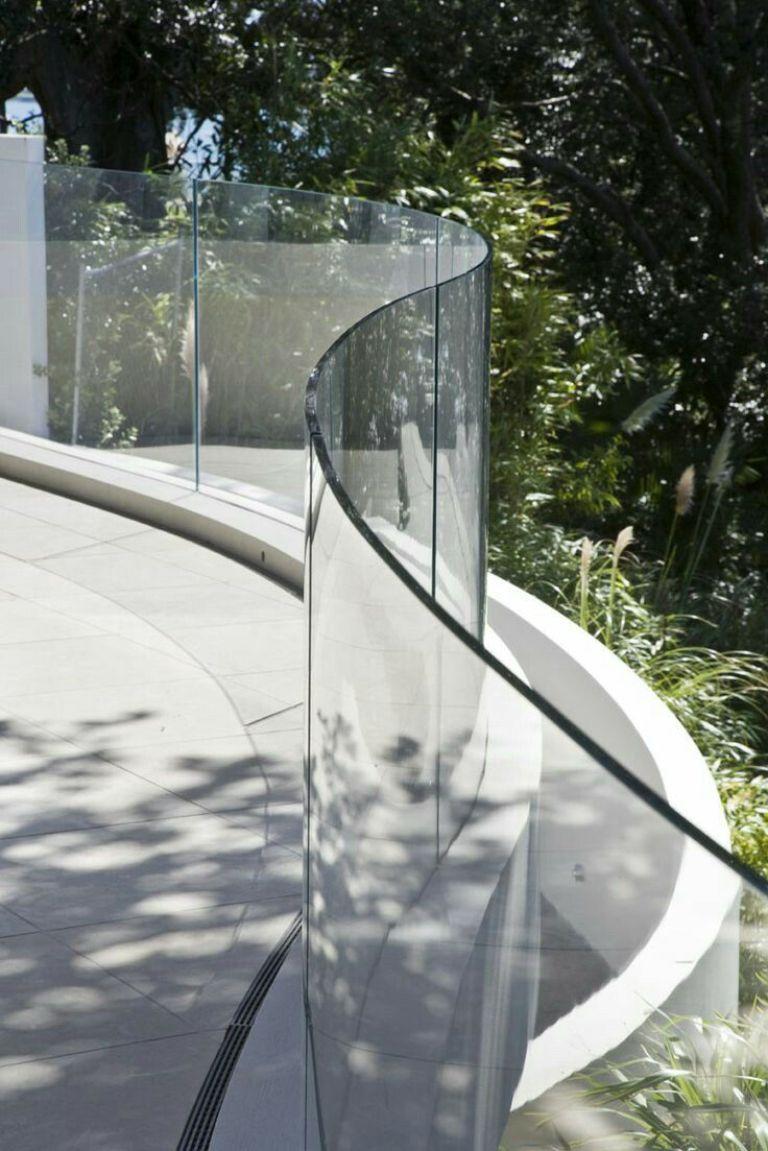 Hoàng Phi Glass - nhà thầu thi công lan can kính cường lực uy tín nhất