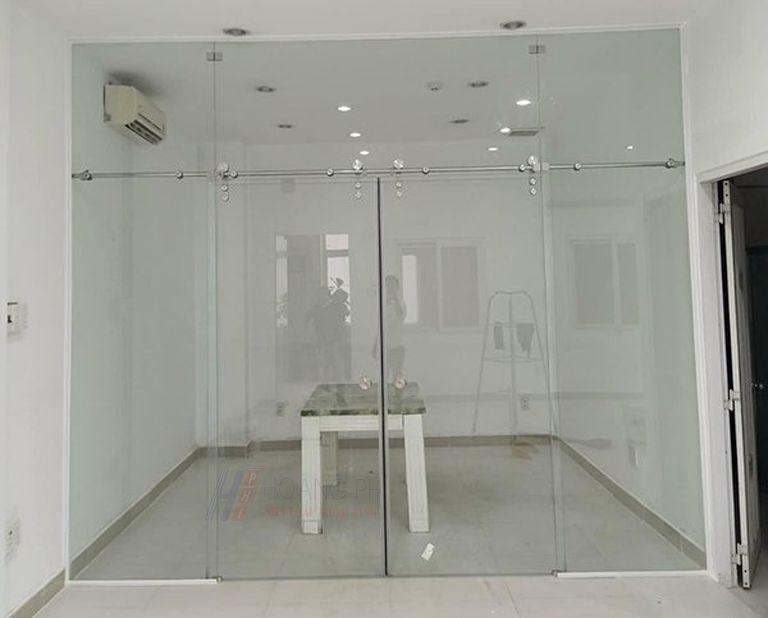 cửa kính cường lực trượt lùa